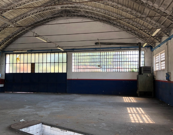 Magazzino - capannone in discrete condizioni in vendita Rif. 9301545