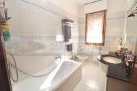appartamento in vendita Tavarnelle Val di Pesa foto 005__sambuca_tavarnelle_vendesi_appartamento_giardino_06.jpg