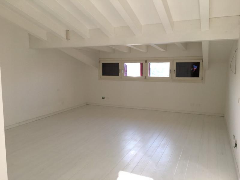 Appartamento in ottime condizioni in vendita Rif. 9373397
