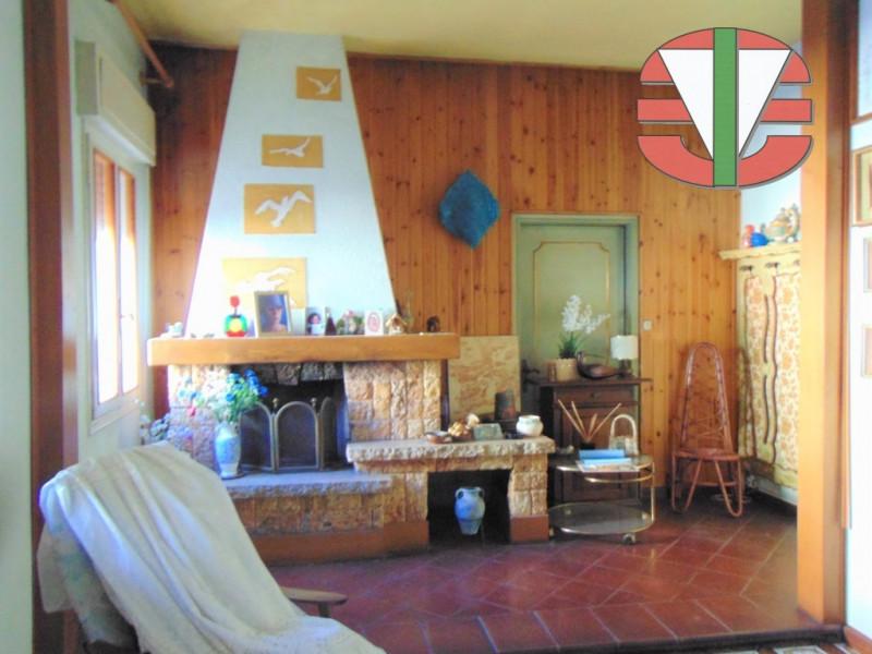 Villa in vendita a Trebaseleghe, 7 locali, zona Località: Trebaseleghe - Centro, prezzo € 250.000 | CambioCasa.it