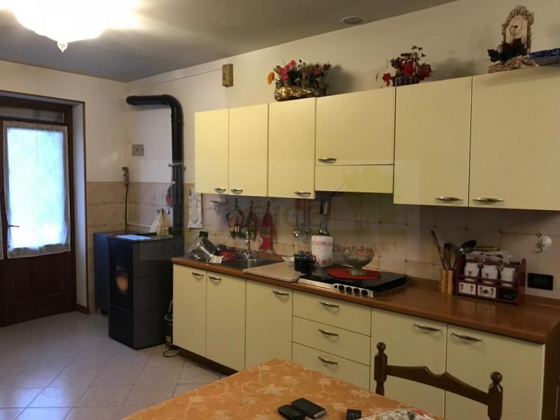 CASTEL GOFFREDO RUSTICO CON CORTE PRIVATA - https://media.gestionaleimmobiliare.it/foto/annunci/190129/1924341/800x800/012__img_1179_wmk_0.jpg