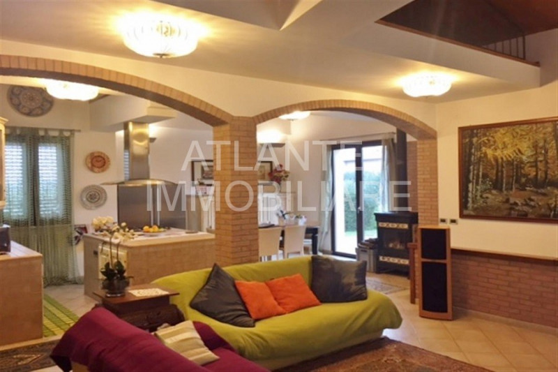 Casa Indipendente in ottime condizioni in vendita Rif. 9445739