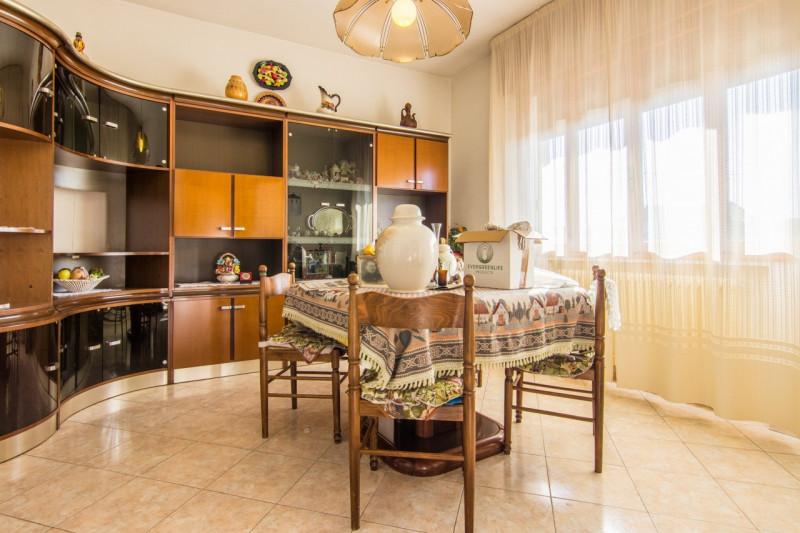Appartamento in ottime condizioni in vendita Rif. 9510825