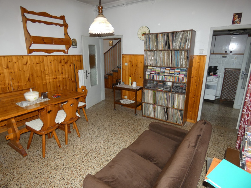 PORZIONE DI BIFAMILIARE ABITABILE DA SUBITO - https://media.gestionaleimmobiliare.it/foto/annunci/190205/1927012/800x800/p1020513.jpg