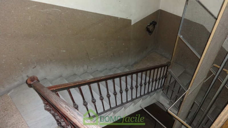 VIA FIRENZE QUADRILOCALE BALCONATO - https://media.gestionaleimmobiliare.it/foto/annunci/190206/1927527/800x800/007__quadrilocaledsc00935.jpg
