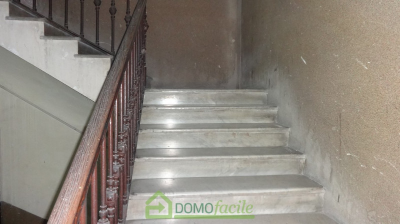 VIA FIRENZE QUADRILOCALE BALCONATO - https://media.gestionaleimmobiliare.it/foto/annunci/190206/1927527/800x800/008__quadrilocaledsc00936.jpg