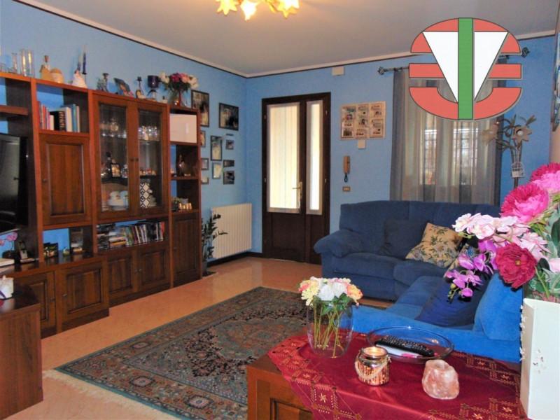 Villa a Schiera in vendita a Salzano, 5 locali, zona Località: Salzano - Centro, prezzo € 229.000 | CambioCasa.it