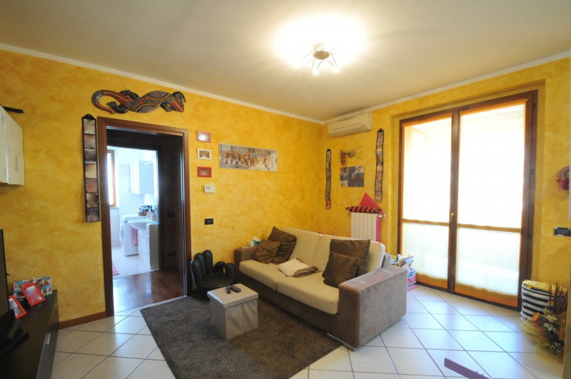 Appartamento in vendita a Noviglio, 2 locali, zona Zona: Mairano, prezzo € 98.000 | CambioCasa.it