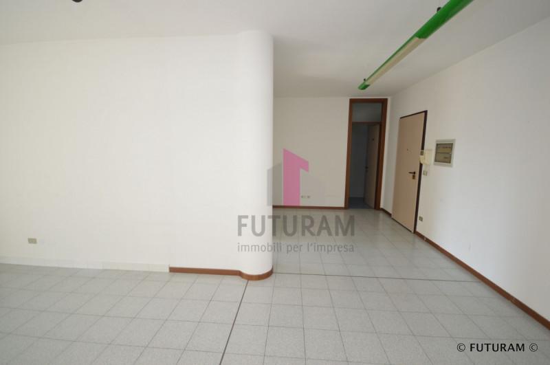 UFFICIO CON DOPPIO INGRESSO___Altavilla Vicentina - https://media.gestionaleimmobiliare.it/foto/annunci/190226/1946065/800x800/004__5_risultato.jpg