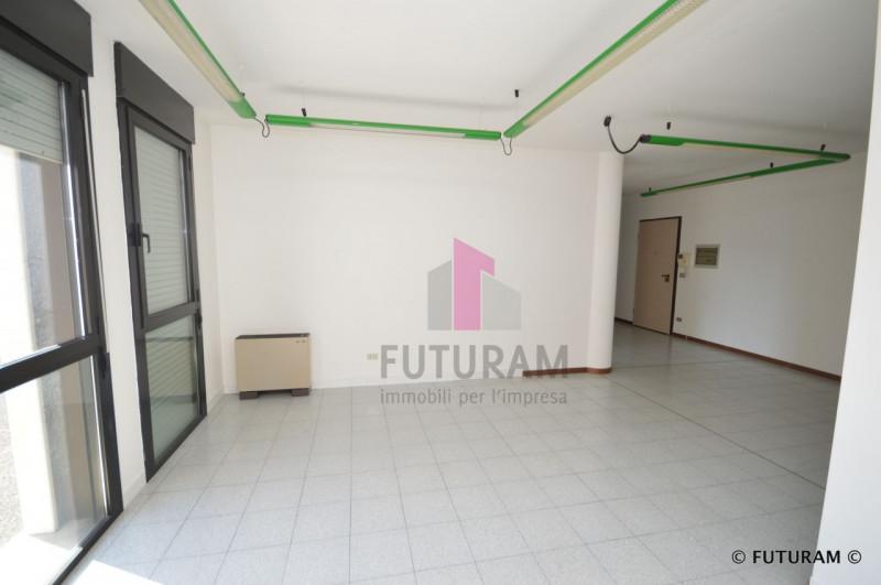 UFFICIO CON DOPPIO INGRESSO___Altavilla Vicentina - https://media.gestionaleimmobiliare.it/foto/annunci/190226/1946065/800x800/006__7_risultato.jpg