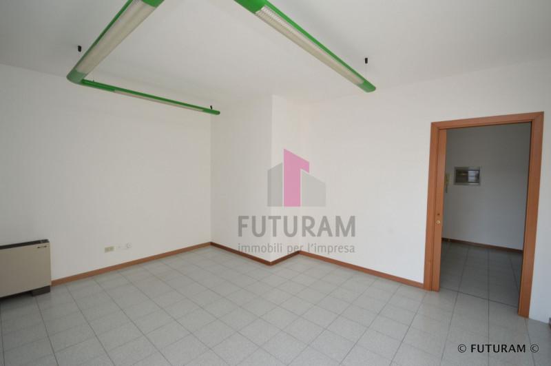 UFFICIO CON DOPPIO INGRESSO___Altavilla Vicentina - https://media.gestionaleimmobiliare.it/foto/annunci/190226/1946065/800x800/014__9f_risultato.jpg