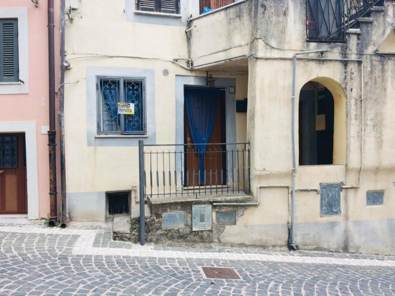 Appartamento in vendita a Cerreto Laziale, 1 locali, zona Località: Cerreto Laziale - Centro, prezzo € 15.000 | CambioCasa.it
