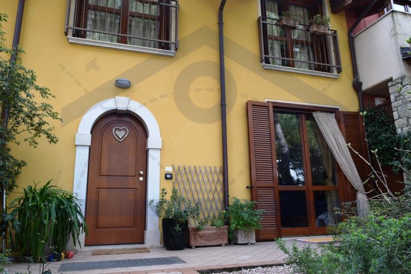 Villetta a schiera in ottime condizioni in vendita Rif. 9810861