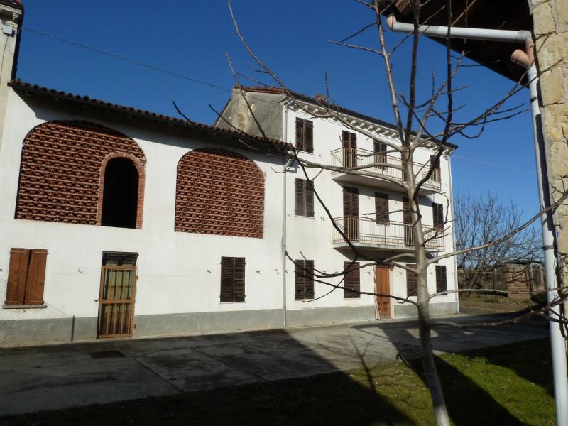 Rustico / Casale da ristrutturare in vendita Rif. 9821217