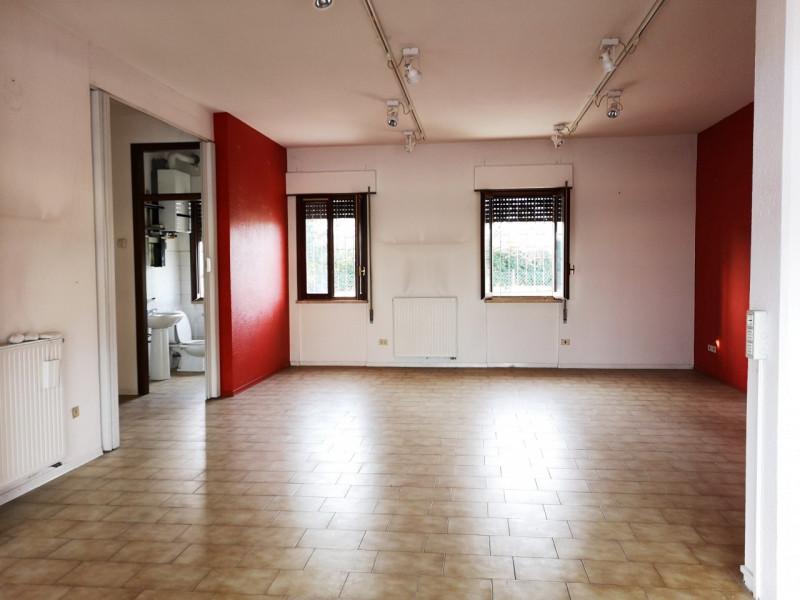 Attività commerciale in buone condizioni in vendita Rif. 9894581