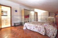 appartamento in vendita Tavarnelle Val di Pesa foto 006__sambuca_tavarnelle_vendesi_appartamento_posti_auto_007.jpg