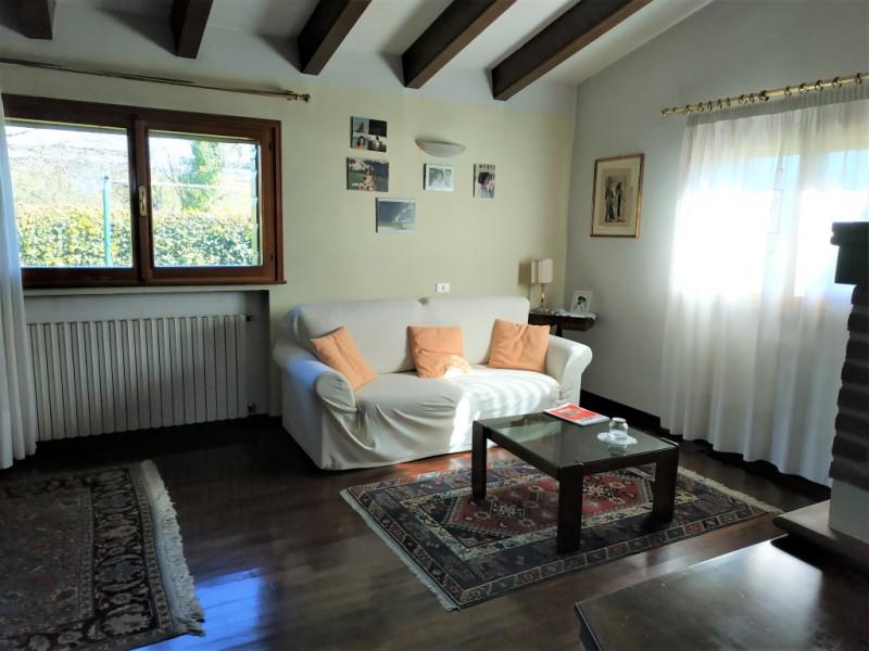 Appartamento in buone condizioni in vendita Rif. 9840917