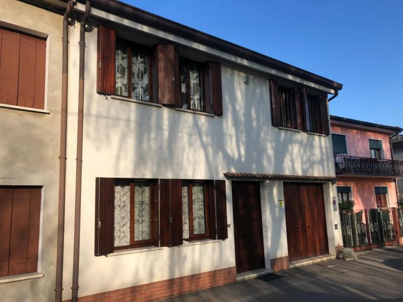 Appartamento in ottime condizioni in vendita Rif. 9840944