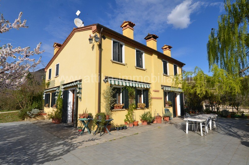 Rustico / Casale in vendita Rif. 9847072