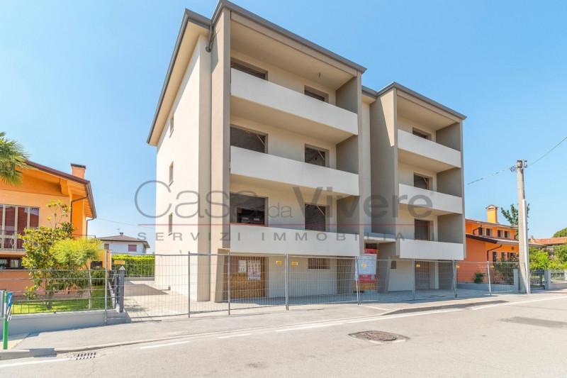 Appartamento ristrutturato in vendita Rif. 9878016