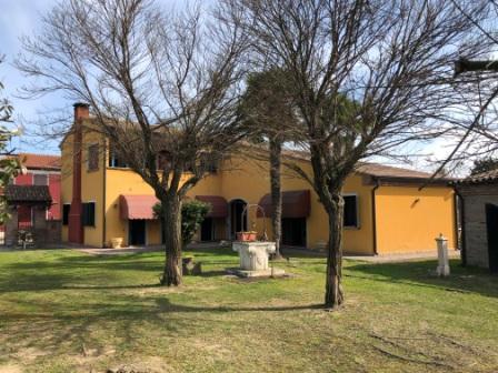 Villa in ottime condizioni in vendita Rif. 9910507