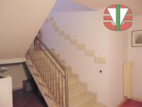 villa in vendita Salzano foto 015__scala_casa_salzano.jpg
