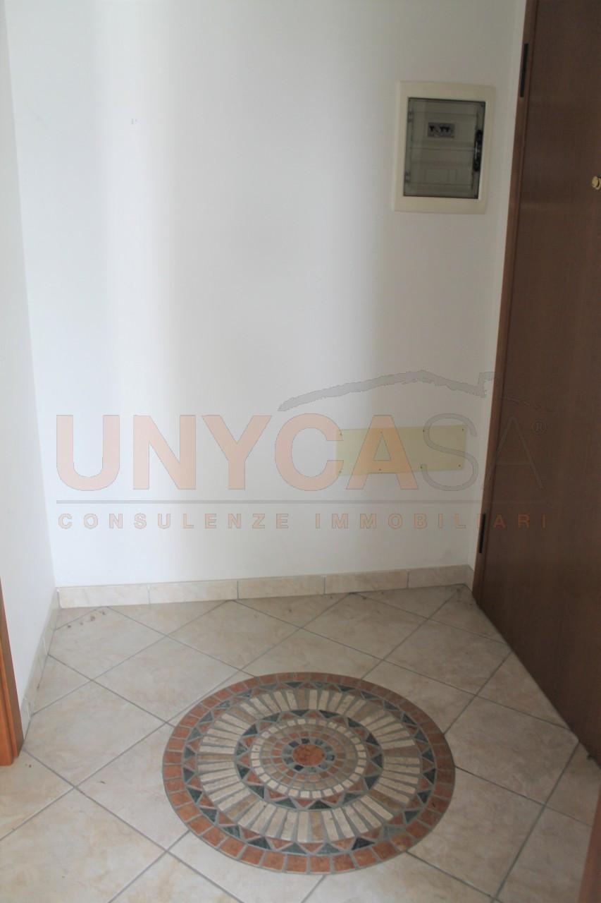 Mini appartamento arredato di cucina for Contratto locazione immobile arredato