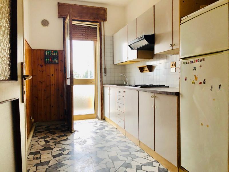 Appartamento in piccola palazzina, posizione tranquilla e ben servita - https://media.gestionaleimmobiliare.it/foto/annunci/190403/1974498/800x800/003__cucina_2.jpg