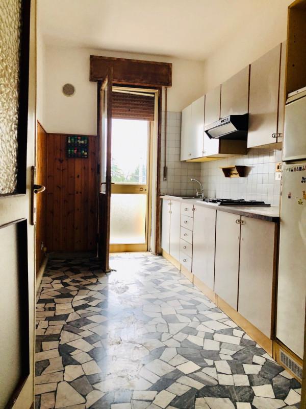 Appartamento in piccola palazzina, posizione tranquilla e ben servita - https://media.gestionaleimmobiliare.it/foto/annunci/190403/1974498/800x800/004__cucina.jpg