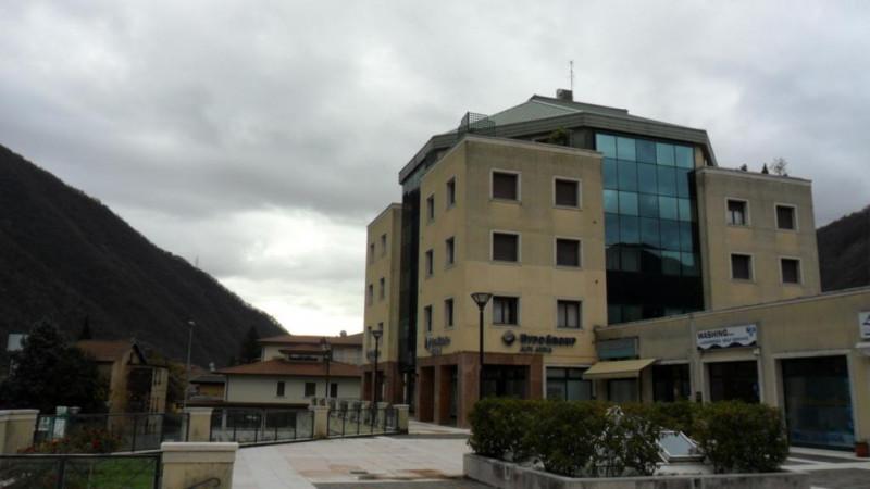 Ufficio in buone condizioni in vendita Rif. 10537652