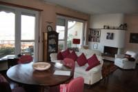 Ampio e signorile attico panoramico in posizione comoda e riservata