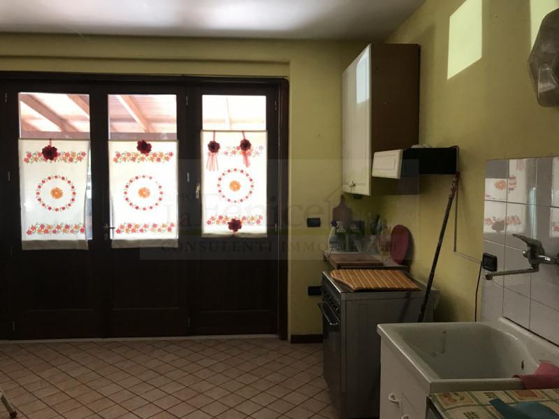 CASTEL GOFFREDO VILLA ANGOLARE. - https://media.gestionaleimmobiliare.it/foto/annunci/190412/1979786/800x800/006__8157ea8d-7ec0-42e6-a358-2a7781a45306_wmk_0.jpg