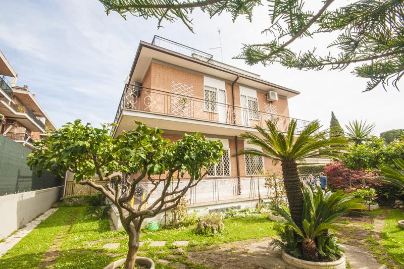 Stabile / Palazzo in ottime condizioni in vendita Rif. 10039953