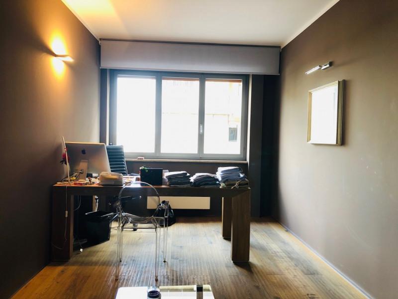 Ufficio finemente ristrutturato completo di arredi, ottima posizione - https://media.gestionaleimmobiliare.it/foto/annunci/190415/1980632/800x800/009__ufficio_3.jpg