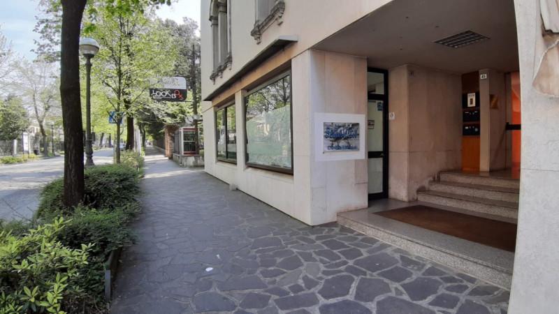 Negozio / Locale in affitto a Montebelluna, 2 locali, zona Località: Montebelluna - Centro, prezzo € 1.500 | CambioCasa.it