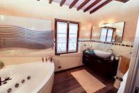 rustico in vendita San Casciano In Val di Pesa foto 009__san_casciano_mercatale_vendesi_colonica_giardino_006.jpg