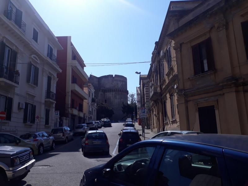 Appartamento in vendita a Reggio Calabria, 6 locali, zona Località: Reggio Calabria - Centro, prezzo € 190.000 | CambioCasa.it