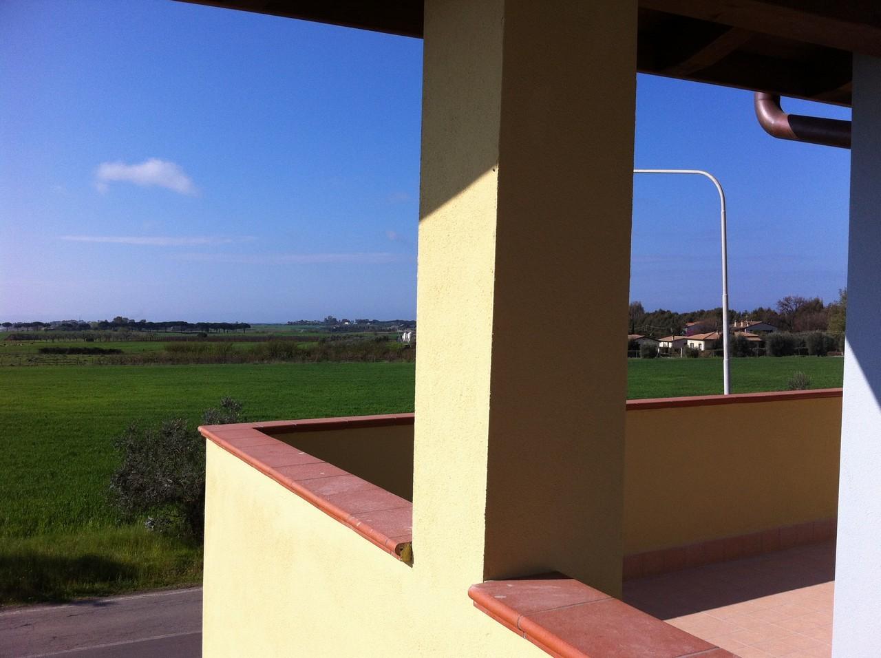 Capalbio - Borgo Carige: Trilocale al primo piano con posto auto