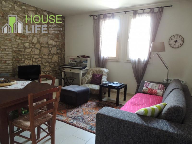 Appartamento ristrutturato arredato in vendita Rif. 10230567