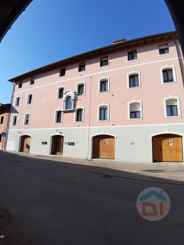 Appartamento in affitto a Cormons, 3 locali, zona Località: Cormons - Centro, prezzo € 550 | CambioCasa.it