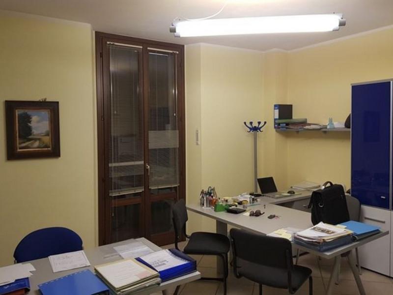 Ufficio / Studio in vendita a Cremona, 9 locali, prezzo € 625.000 | CambioCasa.it