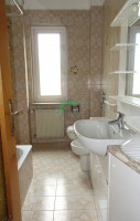 Ton località Castelletto, appartamento con annesso rustico e terreno