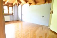 Ora: Casa a schiera porzione testa con vista panoramica