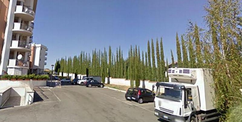 Box e posti auto in buone condizioni in vendita Rif. 10253712