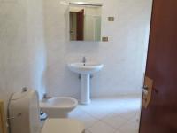 Affittasi ampio appartamento tricamere in zona pedonale ad Abano Terme