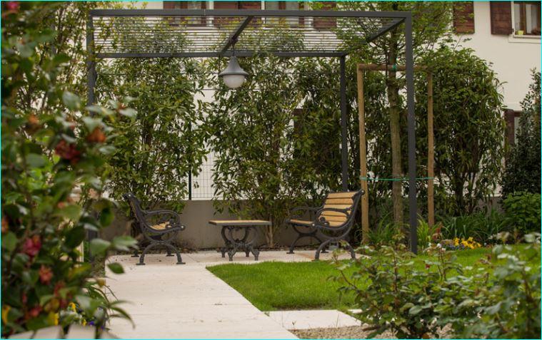 Appartamento in discrete condizioni in vendita Rif. 10297408