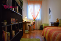 Ampio appartamento in zona tranquilla