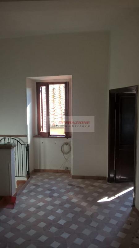Appartamento in buone condizioni in vendita Rif. 10313221