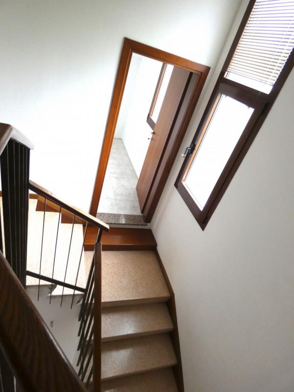 CASA SINGOLA ABITABILE SU LOTTO DI 1000MQ - https://media.gestionaleimmobiliare.it/foto/annunci/190530/2003431/800x800/004__p1030224.jpg