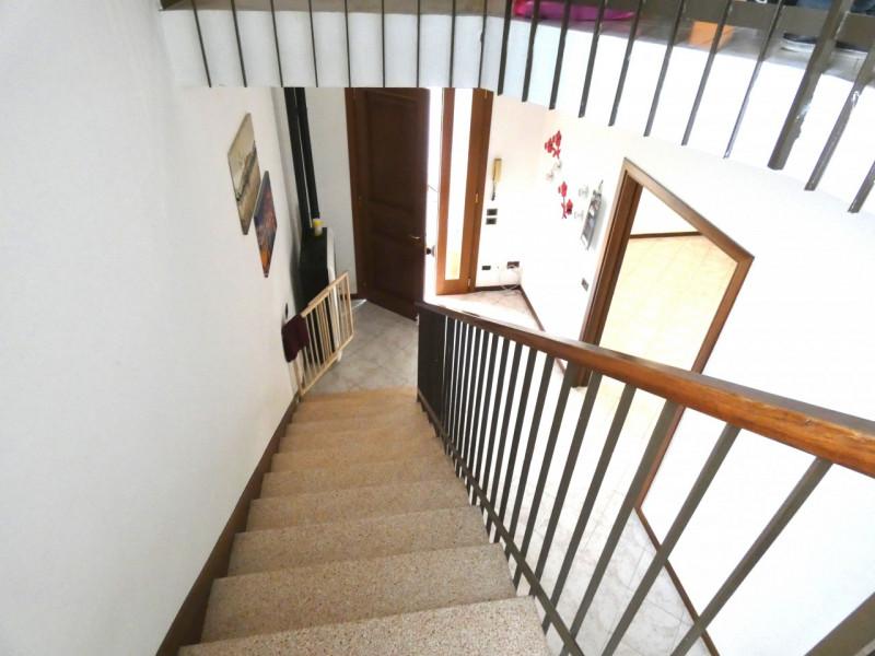 CASA SINGOLA ABITABILE SU LOTTO DI 1000MQ - https://media.gestionaleimmobiliare.it/foto/annunci/190530/2003431/800x800/008__p1030225.jpg